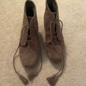 Dr. Scholl's Shoes - Tan boots with heel